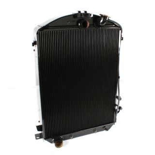 Walker Z Series 1932 Ford Radiator, Chevy Engine w/ AC Condensor, 17